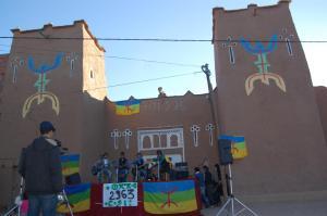 Activité culturelle à l'entrée de Ighrem d'Alnif